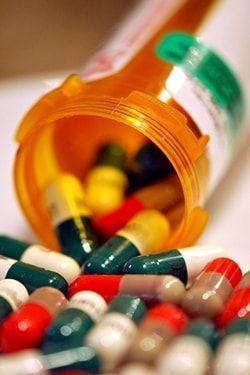 Prendre un médicament par erreur : Nos conseils pour éviter les accidents domestiques (ou se soigner si c'est trop tard) - Linternaute
