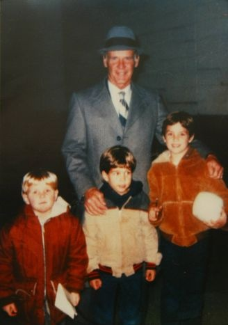 Legend Tom Landry with current Dallas Cowboy tight end Jason Witten (in the red) age 5 and his brothers shawn (7), & Ryan (10) in 1987 too cool :)