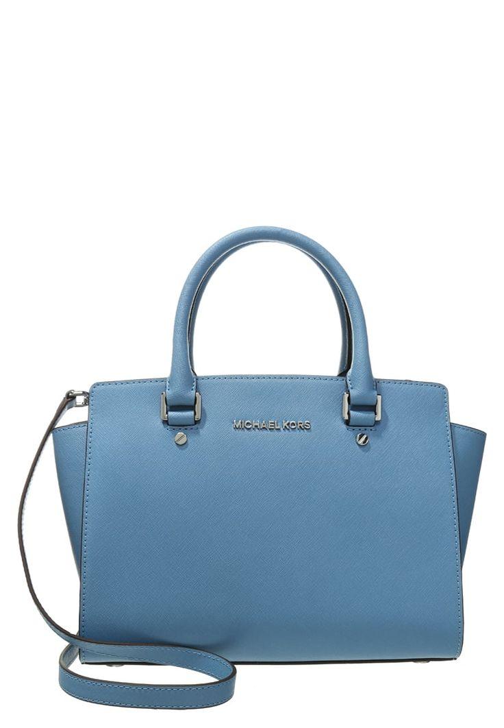 Ein dezenter Klassiker für jeden Tag! MICHAEL Michael Kors SELMA - Handtasche - sky für 244,95 € (27.06.16) versandkostenfrei bei Zalando bestellen.