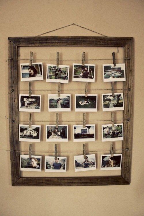 Originale-cornice-di-foto-appese-con-mollette-da-bucato.jpg (500×752)