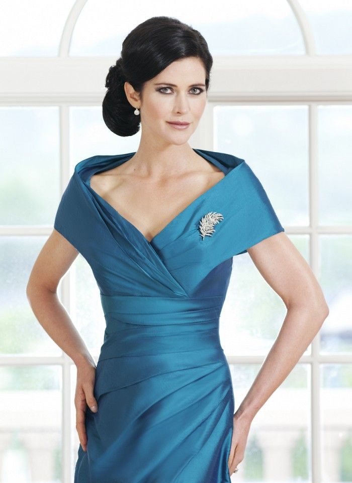 Using The Finest Fabrics Sarah Danielle Offers Figure Flattering Full Length Dresses With J
