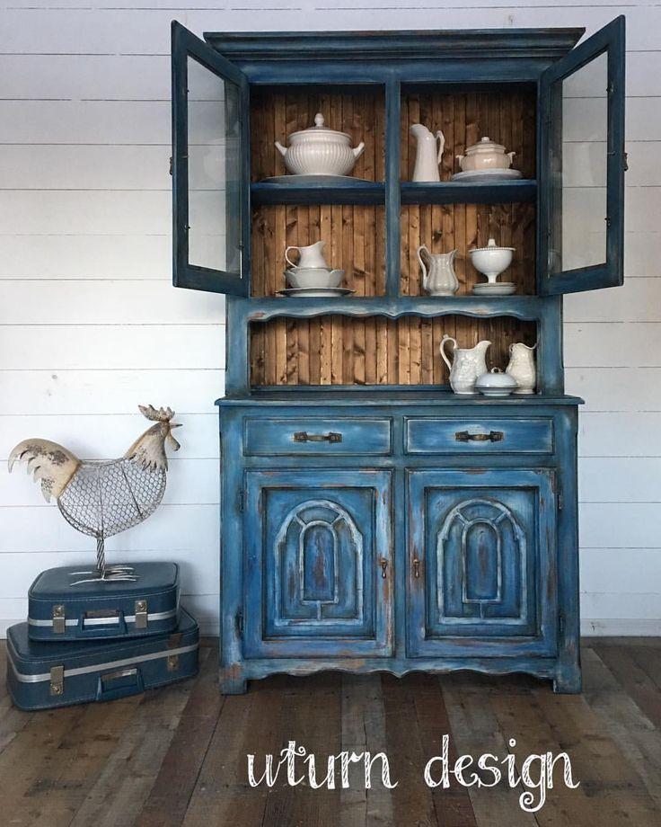 #rusticdecor #farmhousestyle #farmhousedecor #uturndesign #colormovement #paintedhutch #paintedfurniture #vintagefurniture