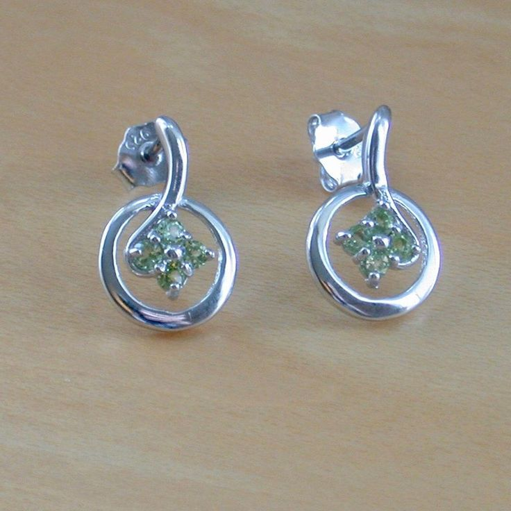 925 Peridot Flower Stud Earrings/Silver Peridot Stud Earrings/August Birthstone