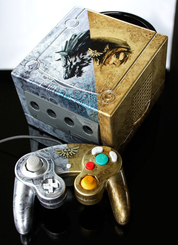 Custom Zelda Twilight Princess Gamecube by Zoki64.deviantart.com on @DeviantArt