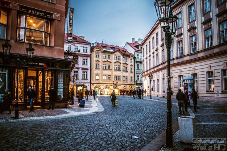 Attraktive Tapete mit dem Bild der alten Viertel in Prag