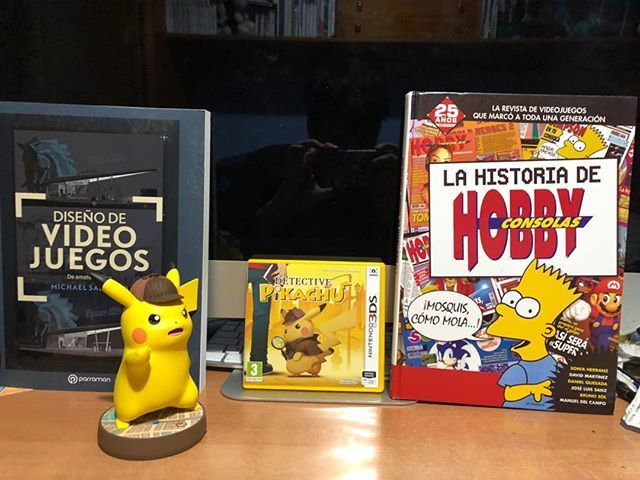 Regalitos de mis #amigos por mi cumpleaños gifts from my friends for my #birthday #pokemon #pikachu #detectivepikachu #videogames #gamedeveloper #nerd #geek