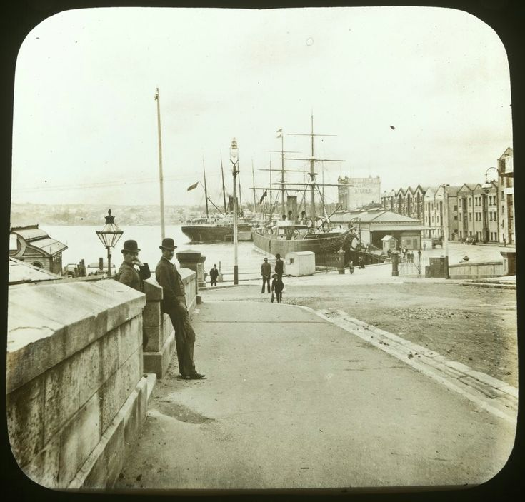 Circular Quay in Sydney (year unknown). •State Library of Victoria•