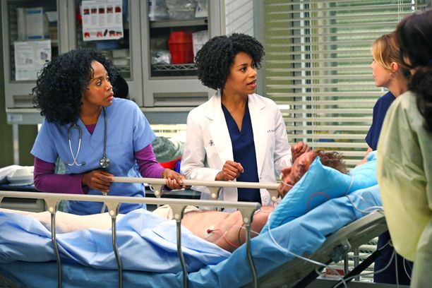 'Grey's Anatomy' first look: Meredith works with her half-sister, but does she know it?