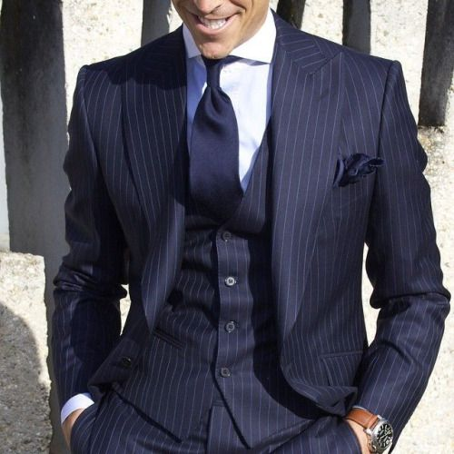 Striped three pieces blue suit. Peak lapels, nice