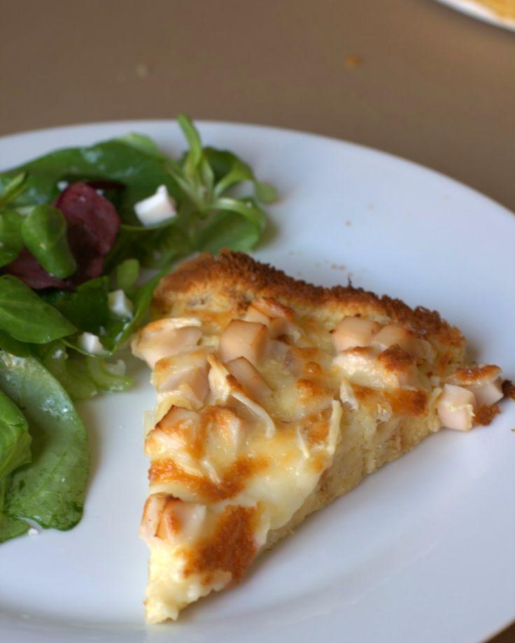 Pastel de jamón de york y queso con base de pan de molde