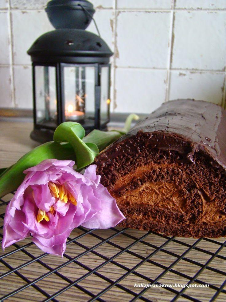 Rolada czekoladowa z musem kawowym. Pychota :) Po przepis zapraszamy na bloga :)