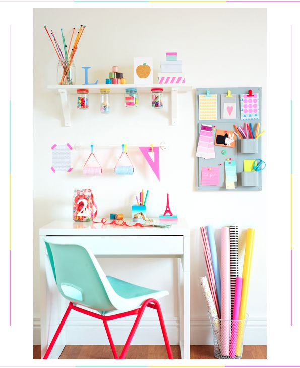 We are slightly obsessed with this home office space /// via brightbazaarblog.com #organization #colorushappy