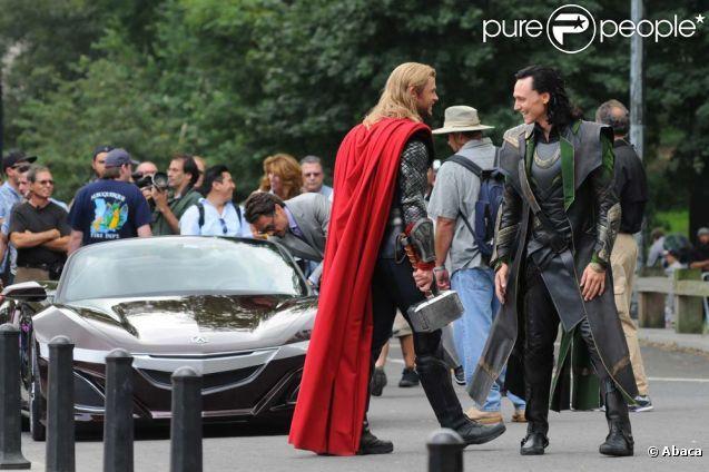 Tom Hiddleston Chris  Hemsworth