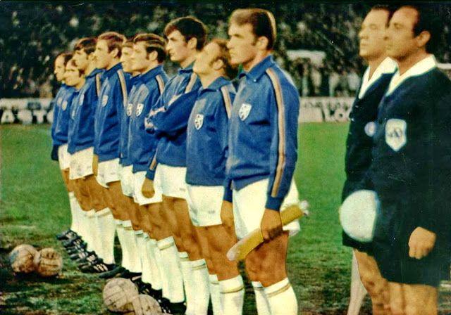 EQUIPOS DE FÚTBOL: SELECCIÓN DE BÉLGICA contra Inglaterra 25/02/1970 Partido amistoso (2)