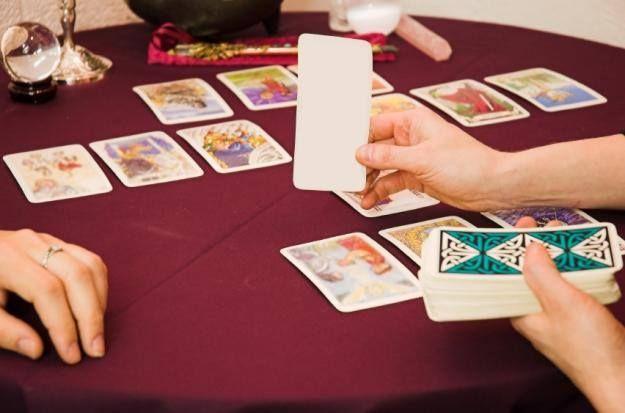 Accede a un grato tutorial para conocer la lectura de manos http://ift.tt/26QVuX7 #lecturademanos   Tarot en línea cartomancia gratis