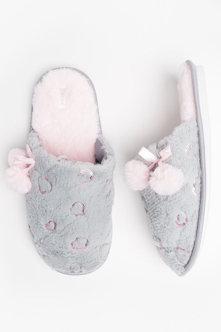 Heart fur slippers