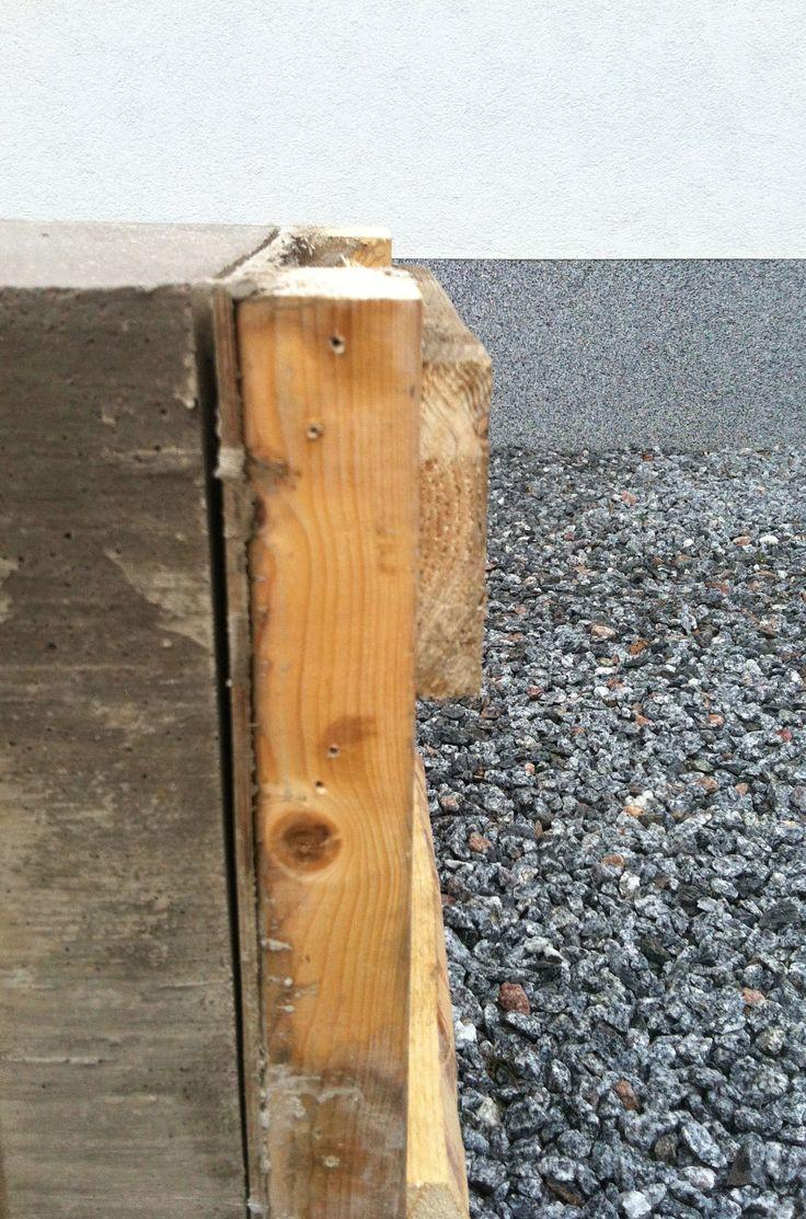 DIY-bench made by concrete. Betonipenkin tekoa.