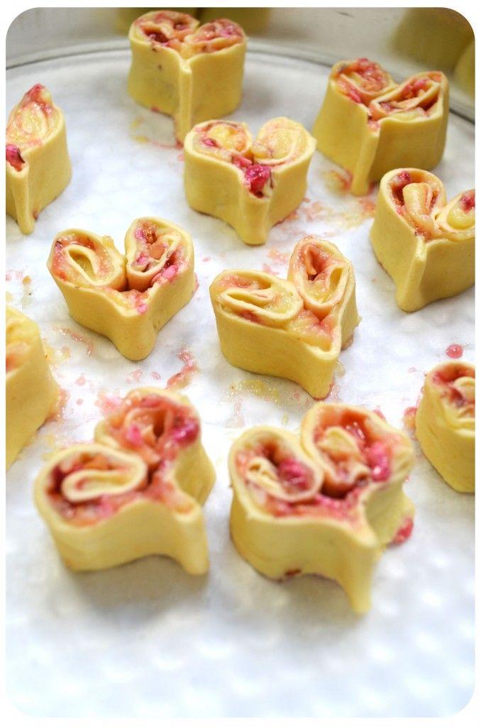 coeurs-feuilletés-pralines-roses-crème-patissière-coupe Saint Valentine's day treats