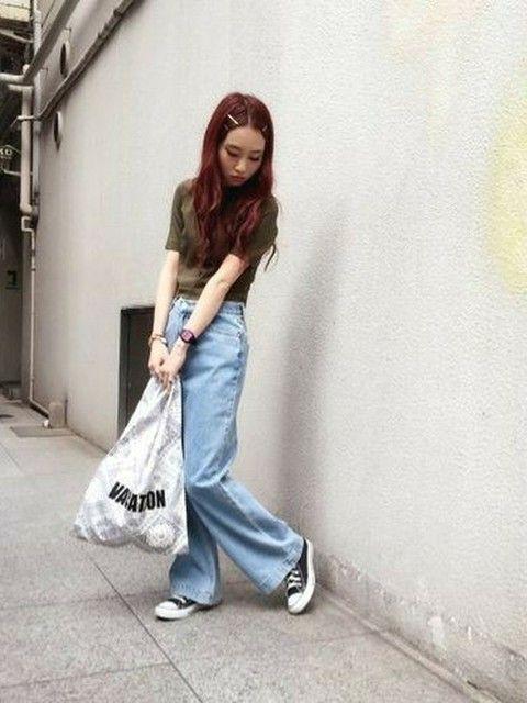 ワイドなデニムパンツでシンプルガーリー♪ 裏原系タイプのファッション スタイル参考コーデ♡