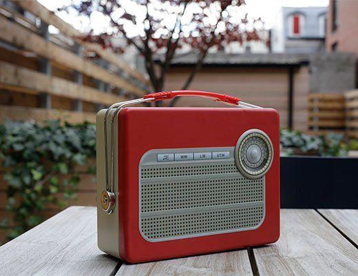 Kikkerland Svačinový box Rádio Retro box nejen na svačinu s designem rádia bude to pravé stylové.