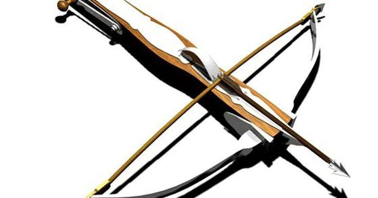 Cómo hacer una ballesta de madera. Una de las armas más populares usadas a lo largo de la historia tanto para combatir como para cazar es la ballesta. En líneas generales, la ballesta es un arco que tiene una forma similar a la letra T mayúscula y usa un gatillo para disparar la flecha o vara a través del aire y dirigirla a su objetivo. A pesar de que comprar una de estas piezas de ...