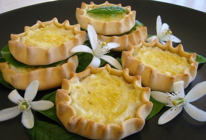 Recipe Of The Day: Cretan  Lychnarakia (Sweet Cheese Pies)