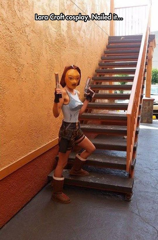 Vintage Tomb Raider Cosplay