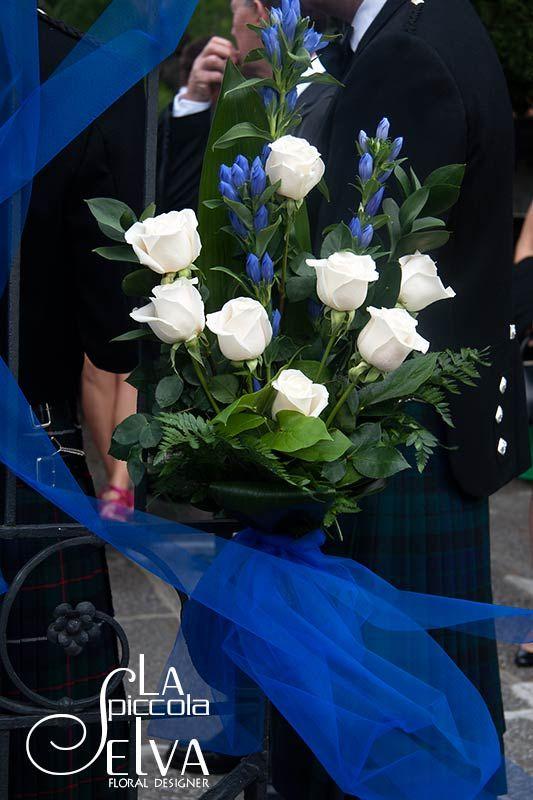 Fiori blu per il tuo matrimonio... ti è mai passata per la testa questa idea? Tradizione vuole che avere qualcosa di blu al matrimonio porti fortuna alla sposa...
