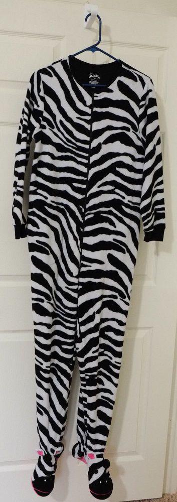 NICK & NORA Medium Zebra Footed Pajamas One Piece Fleece Women Soft Polyester  #NickNora #Footiepajamas