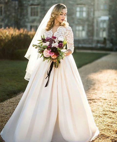 Charlotte, a beautiful bridal gown!  www.ersaatelier.com ❤ #ersaatelier #charlotte #bridalcollection #frenchlace #handmadeembroidery #luxuryfashion Follow us on Instagram:  https://www.instagram.com/ersaatelierofficial/ Follow us on Pinterest: https://ro.pinterest.com/ersaatelier0052/