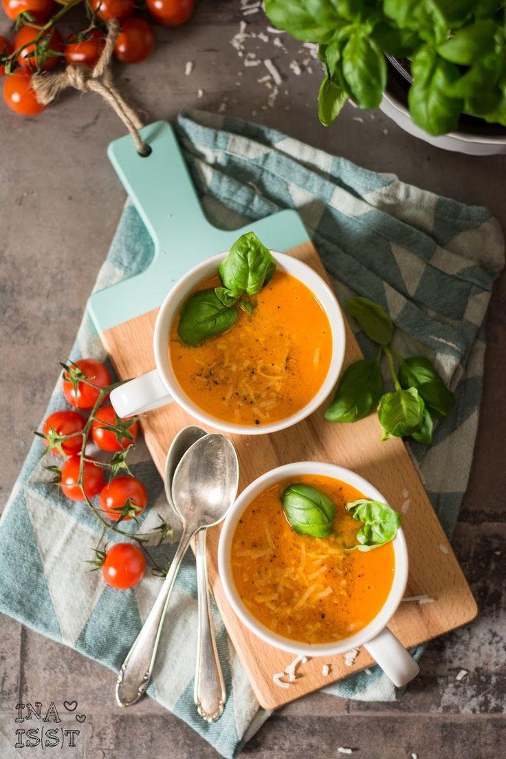 Kokos - Tomaten-Kokos-Suppe mit Basilikum