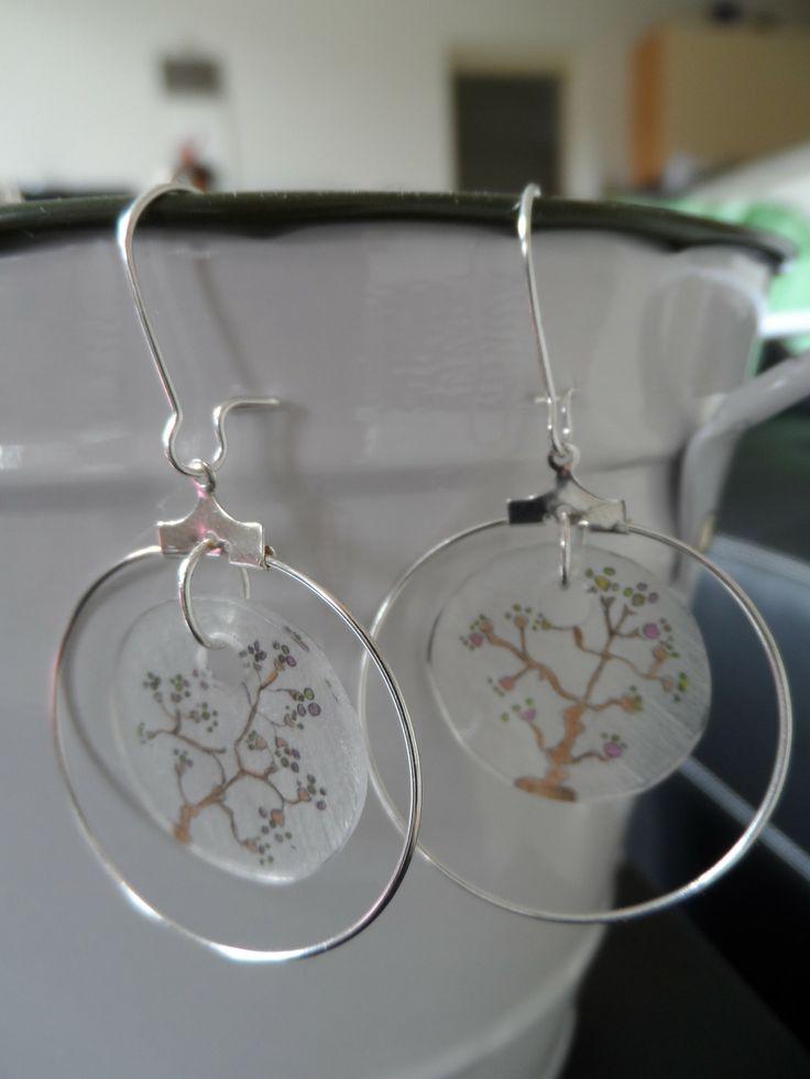 boucles d'oreilles anneaux motifs feuilles : Boucles d'oreille par mari-kiwi