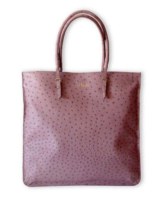 Borsa BLOG rosa in pelle di struzzo  40x58 cm di GhirigoroT-Shirts