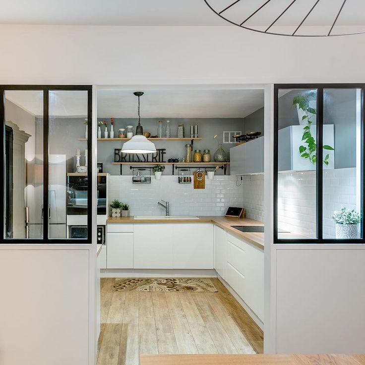 ienvenue chez Marion à Bordeaux ! Résolument tendance avec sa double verrière atelier, les meubles Delinea et le double plan de travail