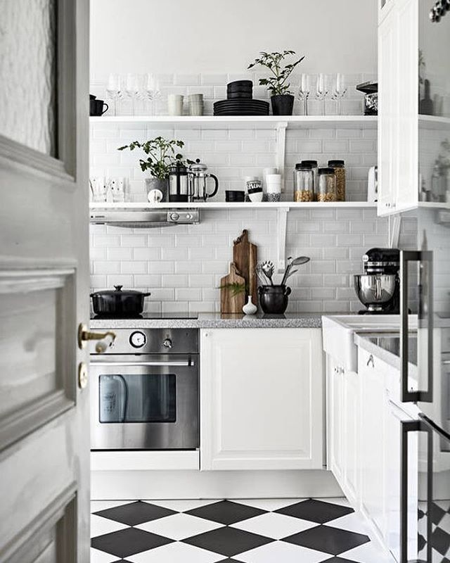 A home mixed with old and new details have a lovely character and feels more personal. Pic source @stadshem #inspiration #inspire #stylish #trend #modern #interior4all #beautiful #interior123 #nordic #homedecor #nordic #kitchen #dining #kitchendecor #interior #interiors #living #inspo #monochrome #style #beautiful