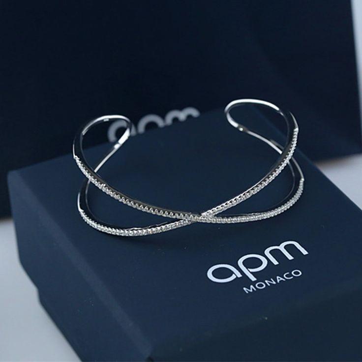 Apm Monaco - Bracelet Cross argent et zirconium, €146.98, Économisez €49, Premier arrivé, premier servi !