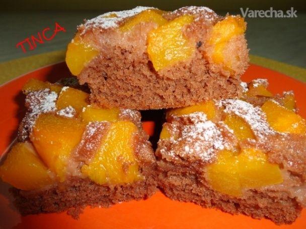 Broskyňový hrnčekový koláč