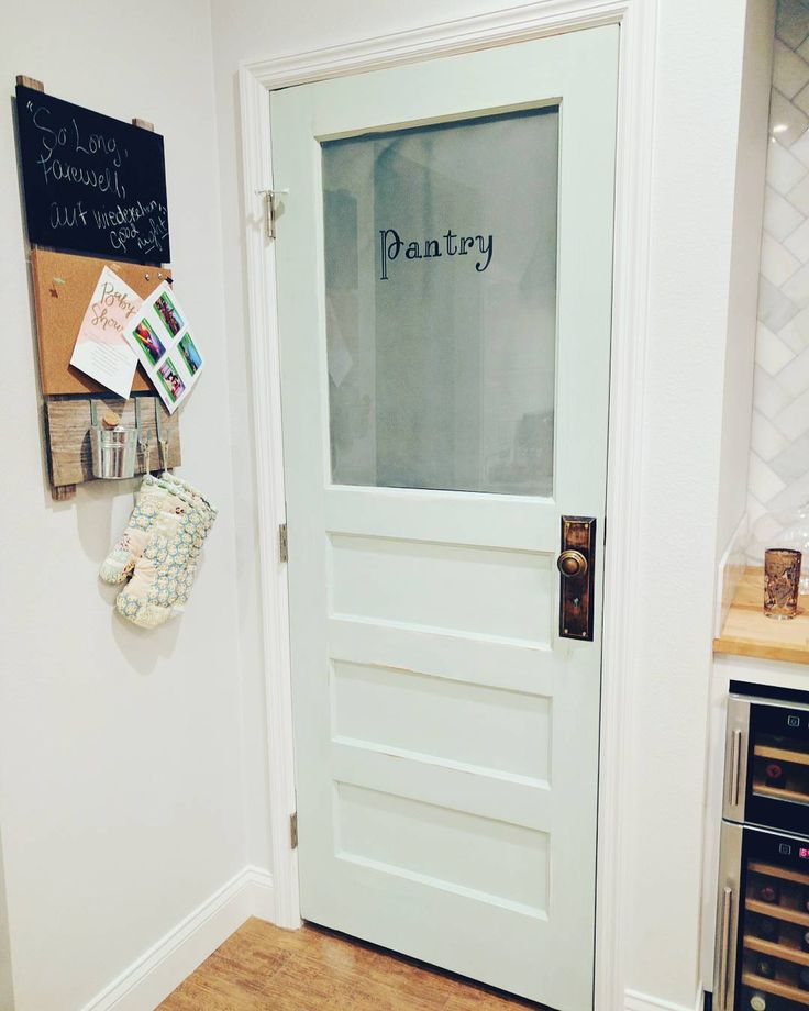 I Like These Cabinet Door Pantry Etc Colors For The: 1000+ Ideas About Painted Pantry Doors On Pinterest