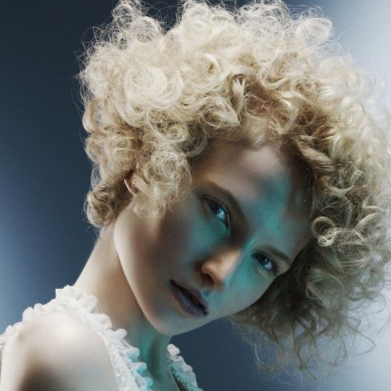 Curly Hairstyles For Wedding Guests: 19 Best Hairstyles For Women In Their 30s Images On