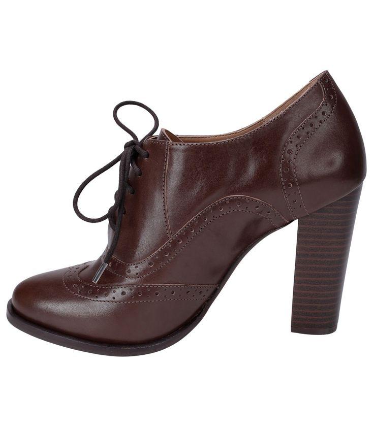 Sapato feminino    Material: couro    Oxford    Marca: Satinato    Com cadarço        Veja mais opções de   sapato feminino.           COLEÇÃO INVERNO 2015              Sobre a Satinato     A Satinato possui uma coleção de sapatos, bolsas e acessórios cheios de tendências de moda. 90% dos seus produtos são em couro. A principal característica dos Sapatos Santinato são o conforto, moda e qualidade! Com diferentes opções e estilos de sapatos, bolsas e acessórios. A Satinato também oferece para…