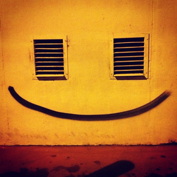 #streetart #31 #toulouse #happy #party - @lucaspuig- #webstagram