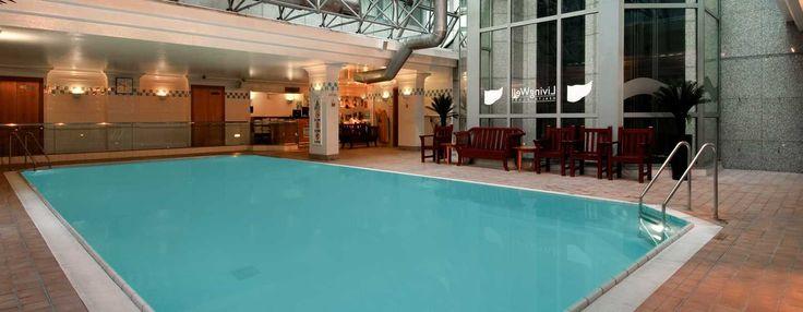 Begin uw dag met zwemmen in het verwarmde, 12,5 meter lange binnenzwembad. Het fitnesscentrum beschikt ook over fitnessapparatuur, een sauna, stoomcabine en sportwinkel.