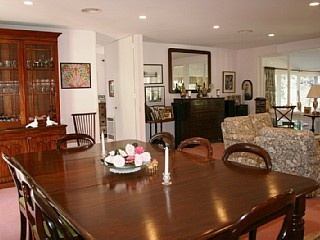 """""""Malmsbury"""" - Fully Furnished short or long term rental holiday home in Bowral"""