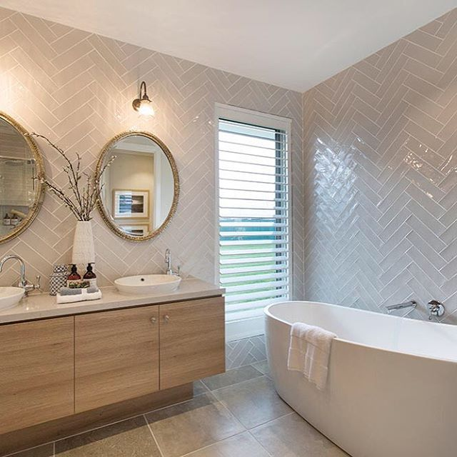 Statement bathroom mirrors. Yes please. #featuremirror #mirror #mirrors #herringbone #bathroom #bathroomdesign #bathroominspiration #bathroominspo #classicstyle #classic #interiors #interiordesign #home #homelovers