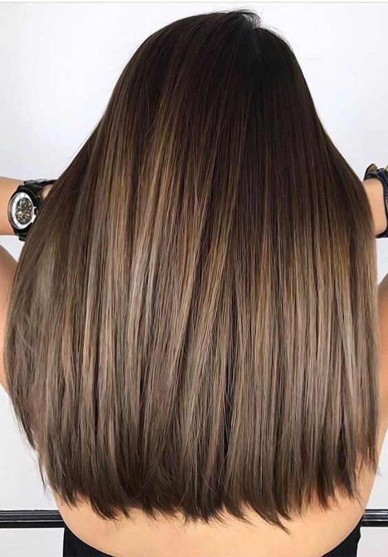 Perfect fall-winter brunette balayage hair colorin…