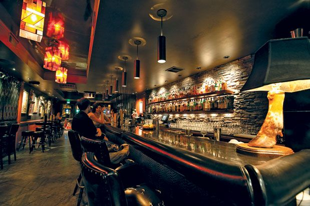 Best Bars in Seattle for Five Different Types of Dates