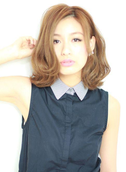 かき上げ前髪で小顔☆ラフカール 【corso】 http://beautynavi.woman.excite.co.jp/salon/21784?pint ≪ミディアム・ヘアスタイル・medium・hairstyle・髪形・髪型≫