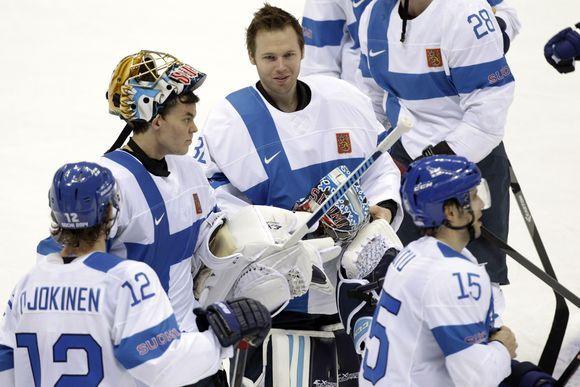 Leijonat pelin jälkeen. Finnish hockey team at 2014 Olympics