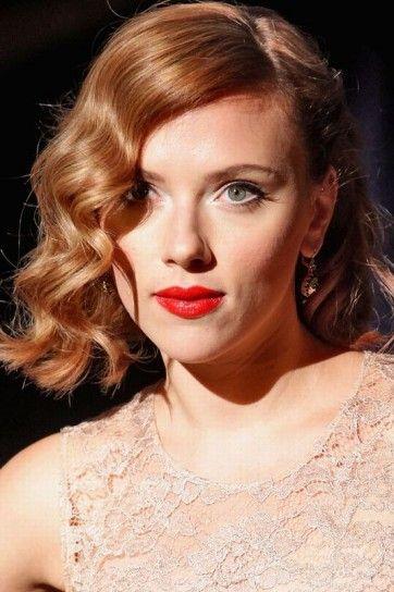 Scarlett Johansson capelli rosso chiaro