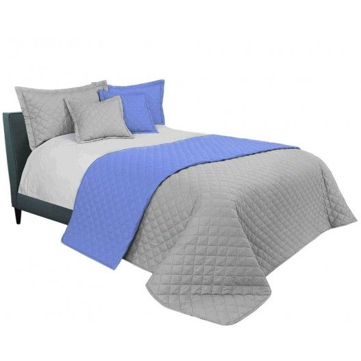 Svetlo sivy prehoz na manzelsku postel